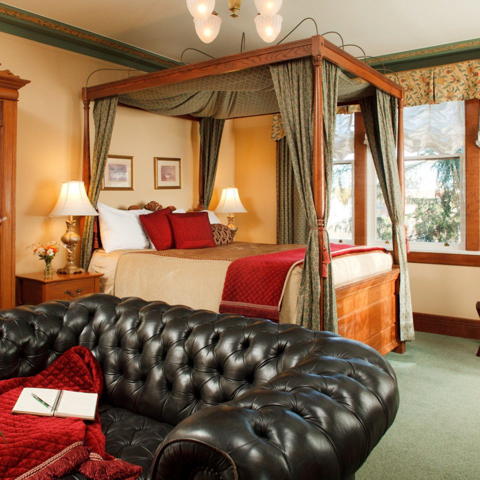 Bedroom Elegant Hip Luxury Modern Suite sofa chair property living room home cottage Villa mansion seat leather