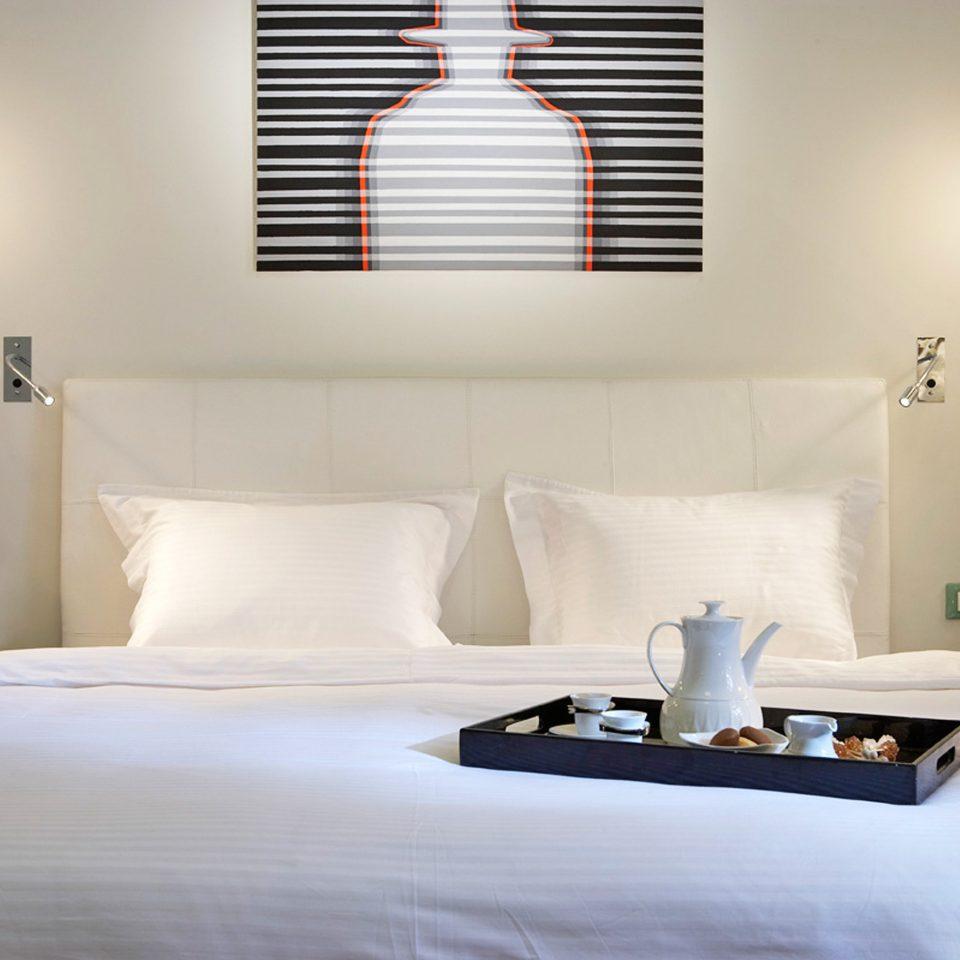 Bedroom Elegant Hip Luxury Modern Suite white scene pillow living room lighting bed sheet lamp