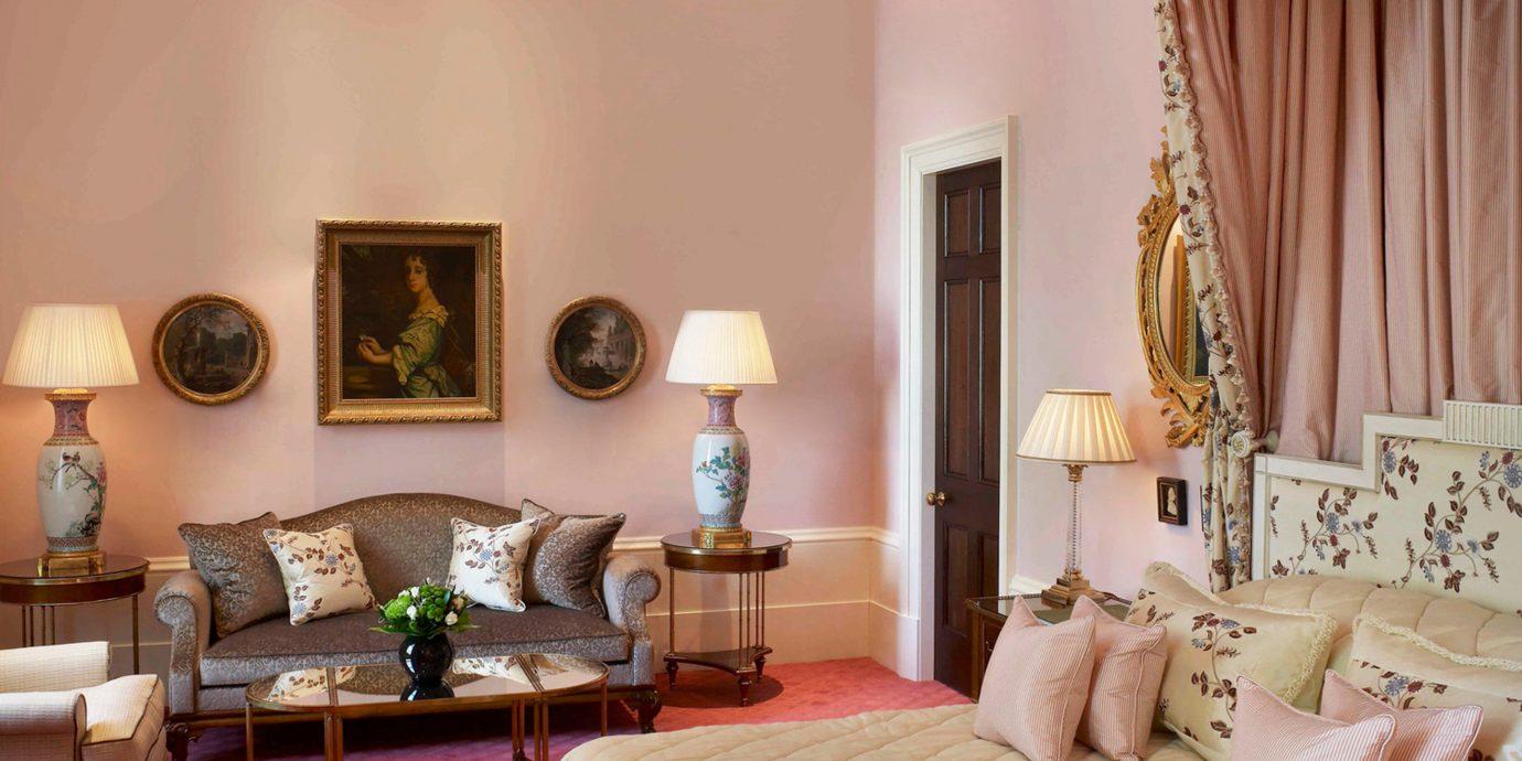 Bedroom Elegant Hip Luxury Suite sofa property living room curtain cottage home Villa