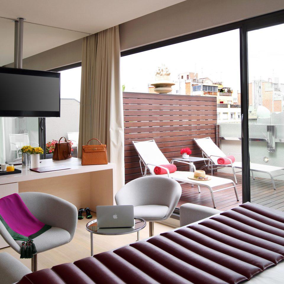 Bedroom Elegant Hip Modern Suite property chair living room home condominium
