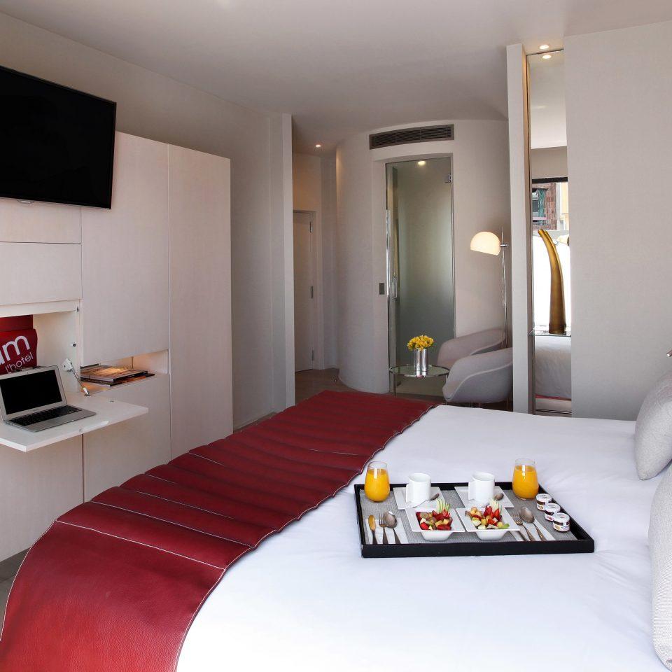Bedroom Elegant Hip Modern Suite property white red cottage living room home condominium Villa
