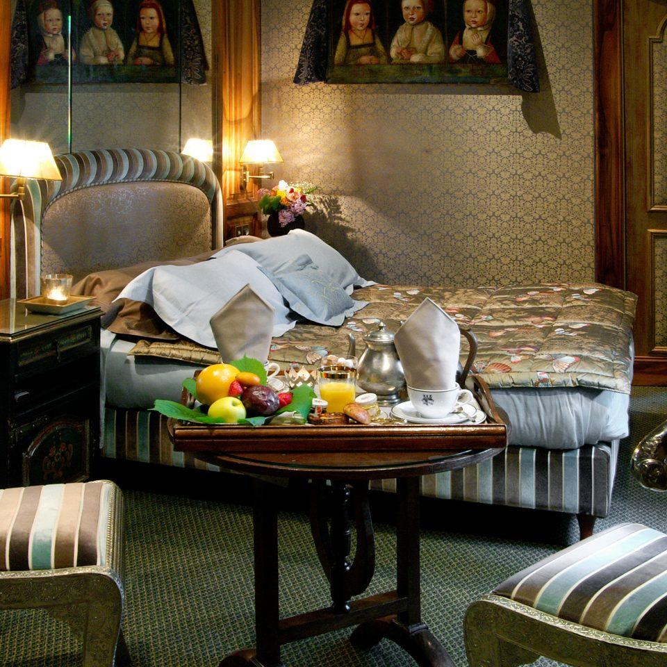 Bedroom Elegant Historic Honeymoon Luxury Romance Romantic Suite home living room restaurant cottage