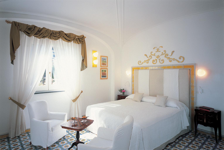Bedroom Elegant Historic Hotels Trip Ideas property cottage Suite Villa home living room