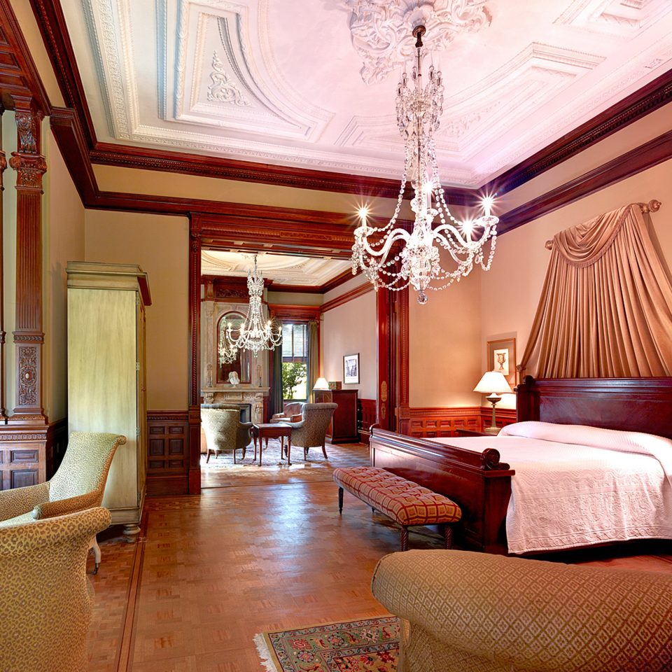 Bedroom Elegant Historic Hotels Modern Suite property living room home mansion cottage