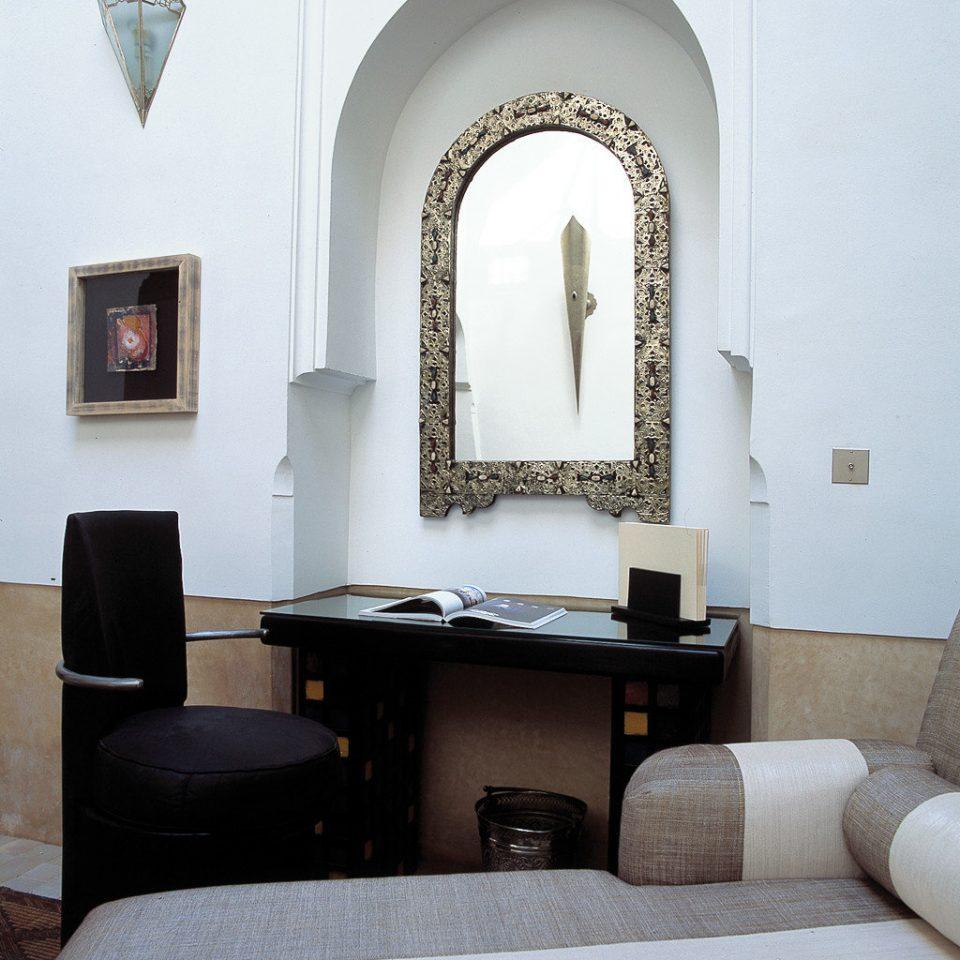 Elegant Historic Lounge Luxury property living room home Bedroom painting
