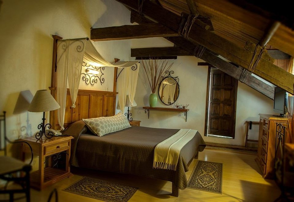 Bedroom Elegant Historic Luxury Rustic Suite property building house cottage living room home Villa lamp