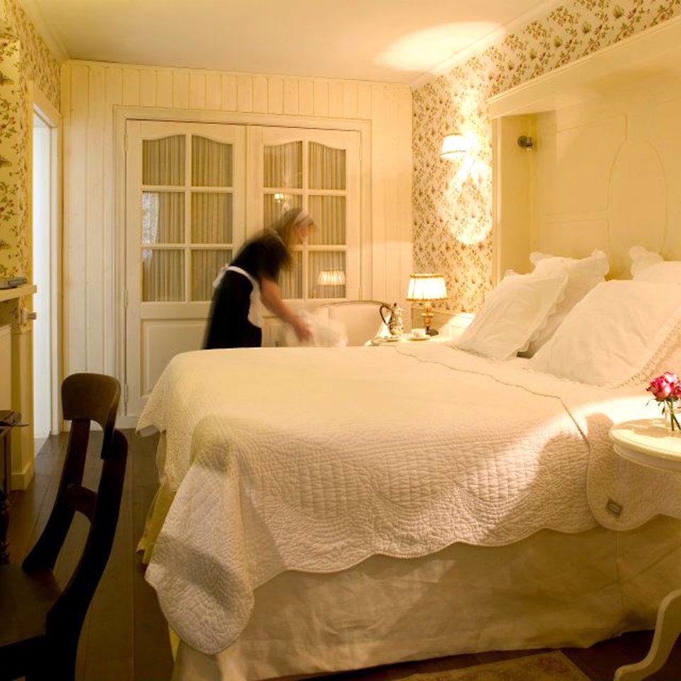Bedroom Elegant Historic Luxury Romantic Suite property sink cottage living room Villa
