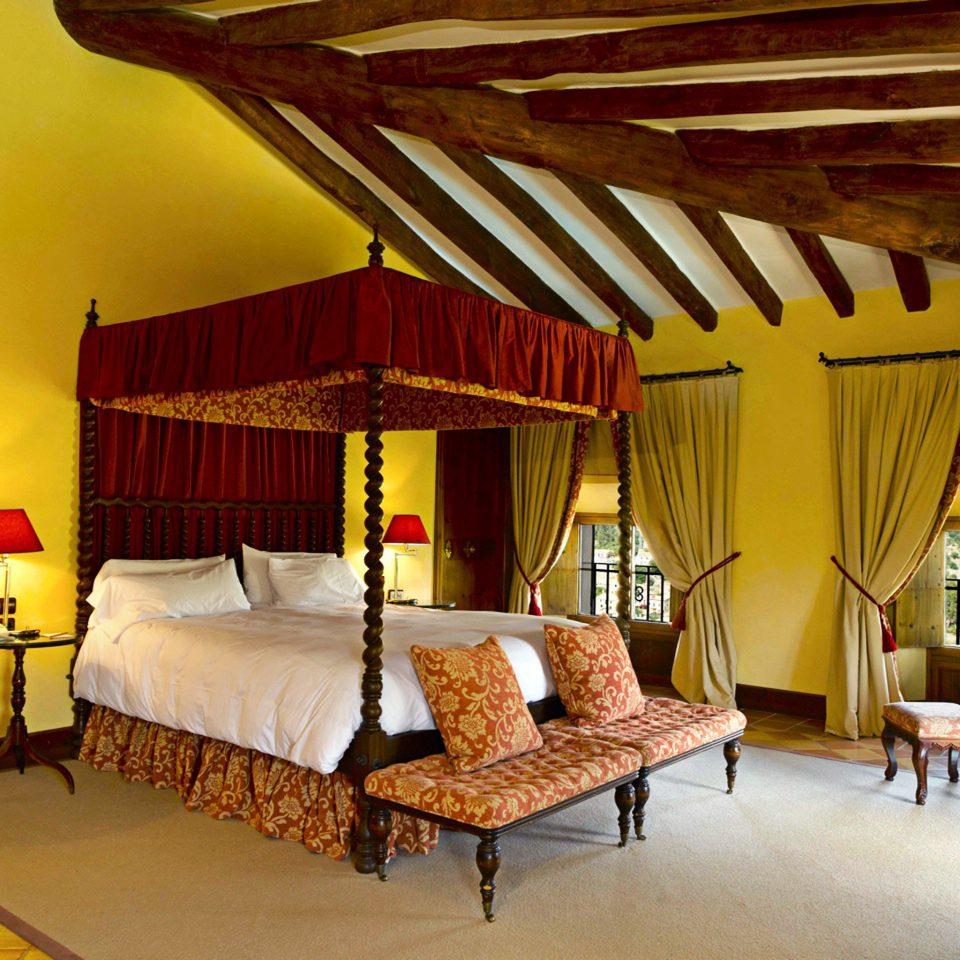 Bedroom Elegant Historic Luxury Suite property house Resort Villa cottage living room farmhouse