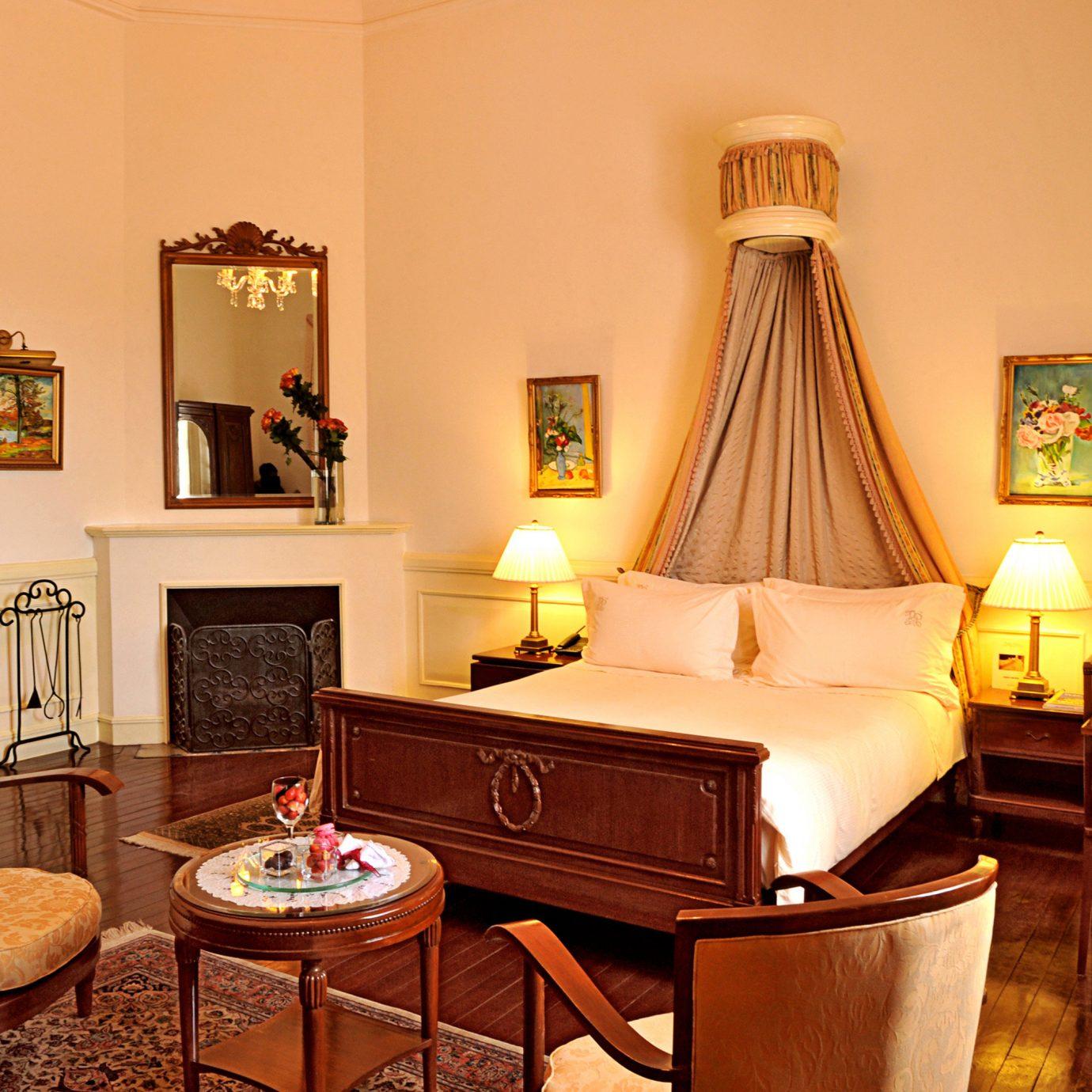Bedroom Elegant Historic Luxury property chair home Suite living room cottage Villa mansion