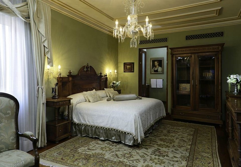 Bedroom Elegant Historic Luxury Romantic Suite property home living room mansion cottage farmhouse