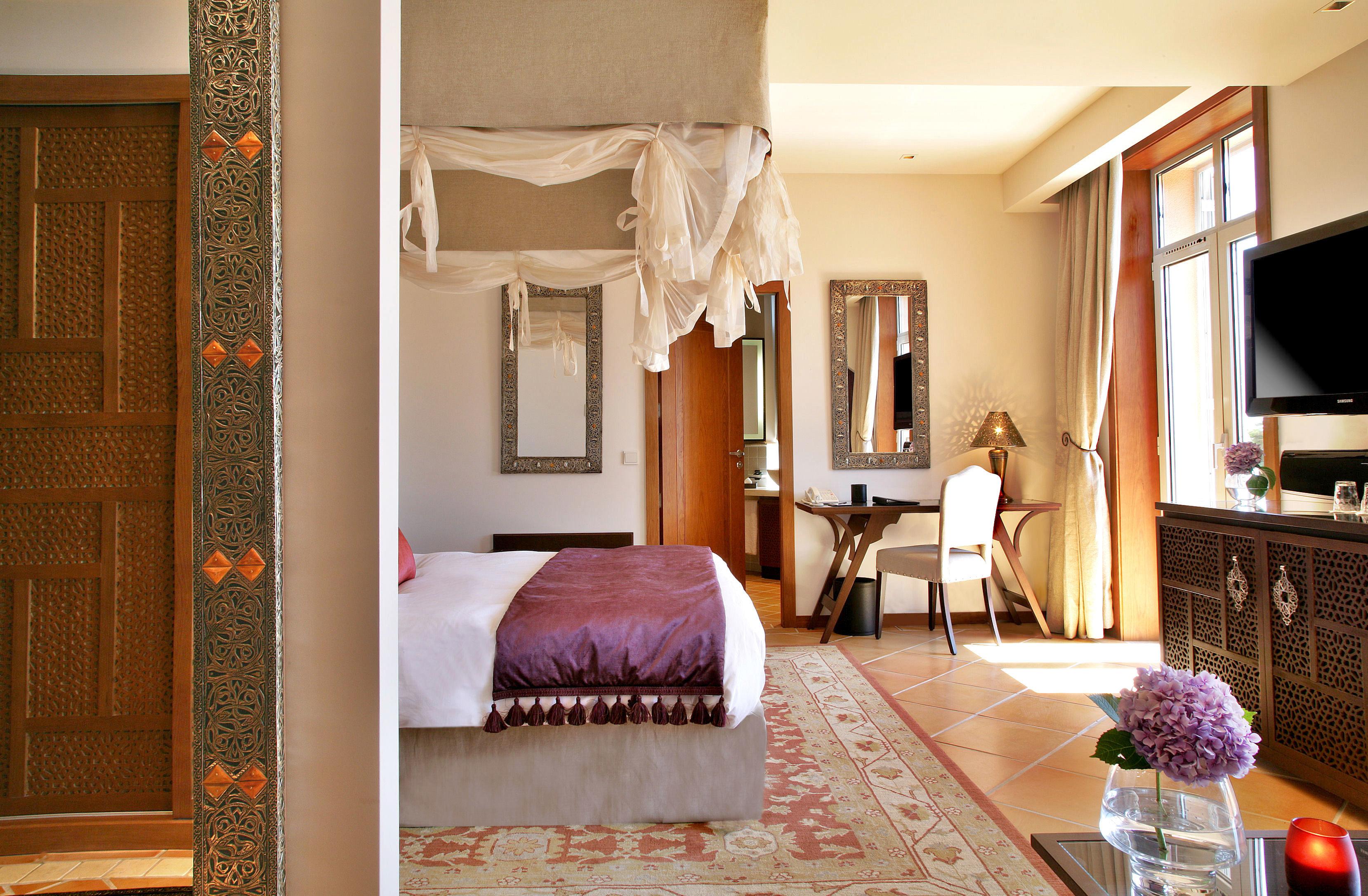 Bedroom Elegant Historic Luxury Suite property home living room cottage hardwood farmhouse