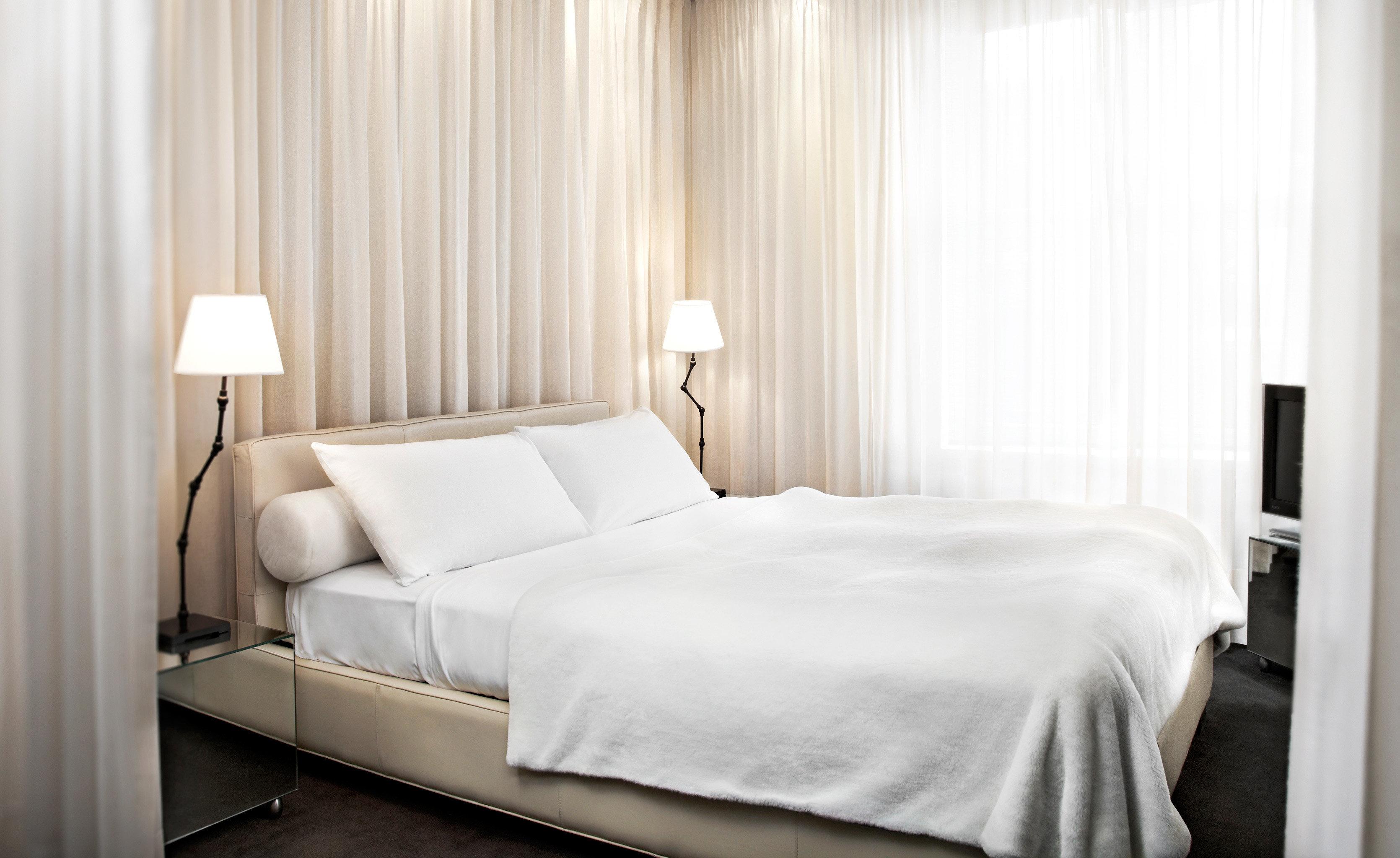 Bedroom Elegant Historic Modern curtain property white Suite cottage bed sheet