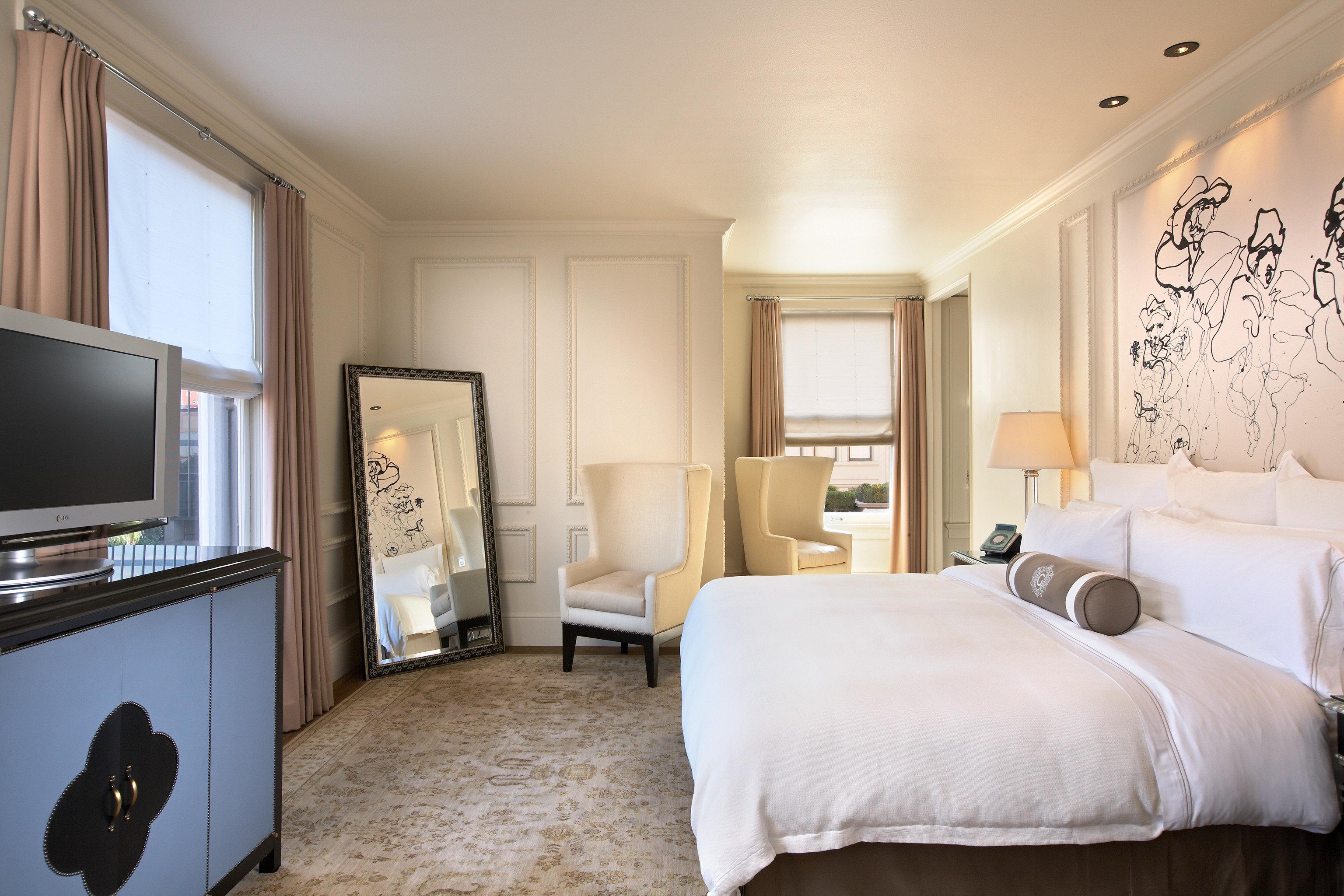Bedroom Elegant Hotels Luxury Suite property living room home cottage