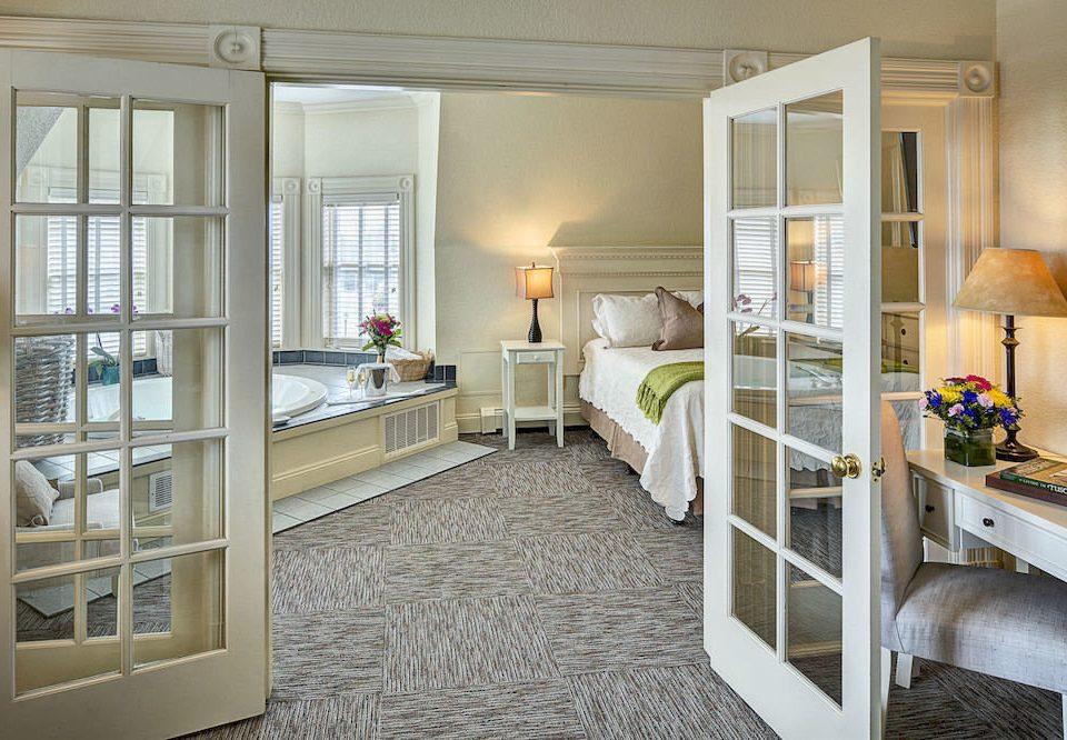 Bedroom Elegant Lounge Luxury Suite property home living room cottage condominium farmhouse