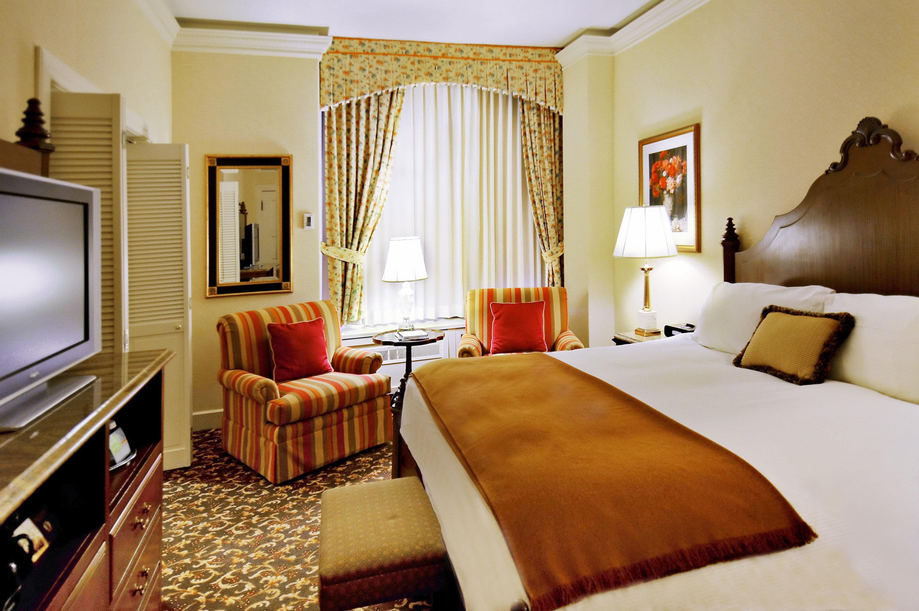 Bedroom Elegant Lounge Luxury Suite sofa property cottage flat containing
