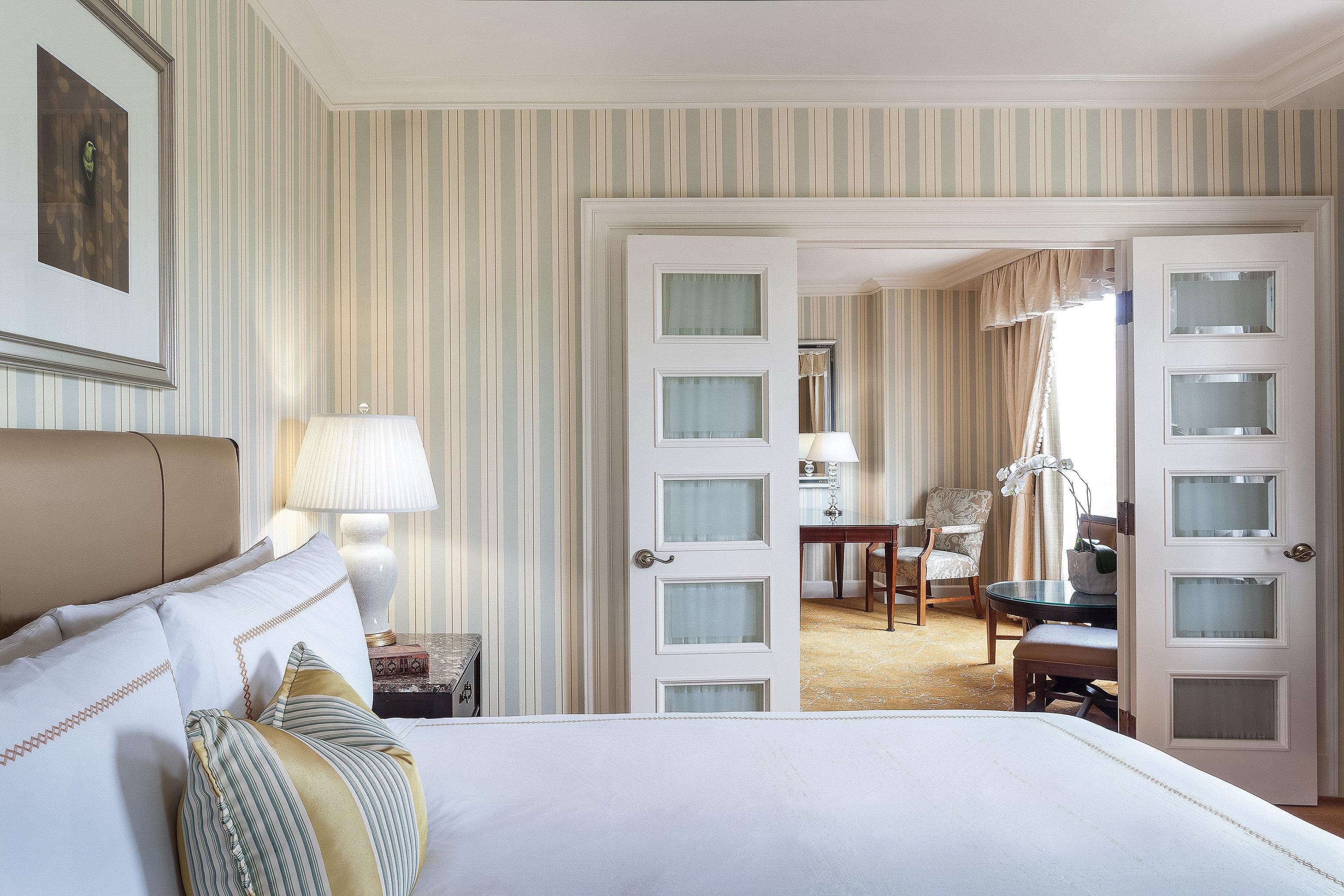 Bedroom Elegant Lounge Luxury property living room home cottage condominium