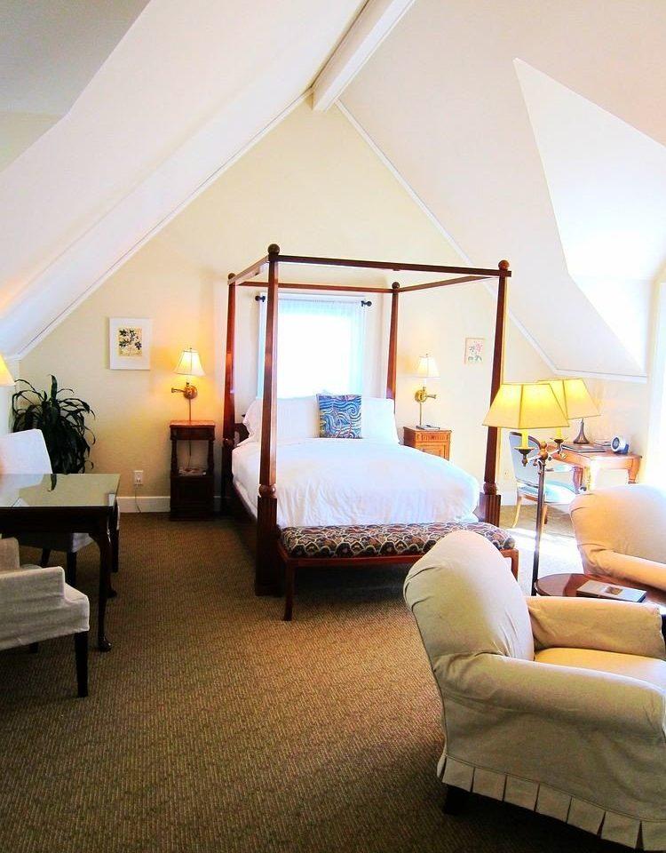 Bedroom Elegant Lounge Luxury Suite property living room home Villa cottage lamp