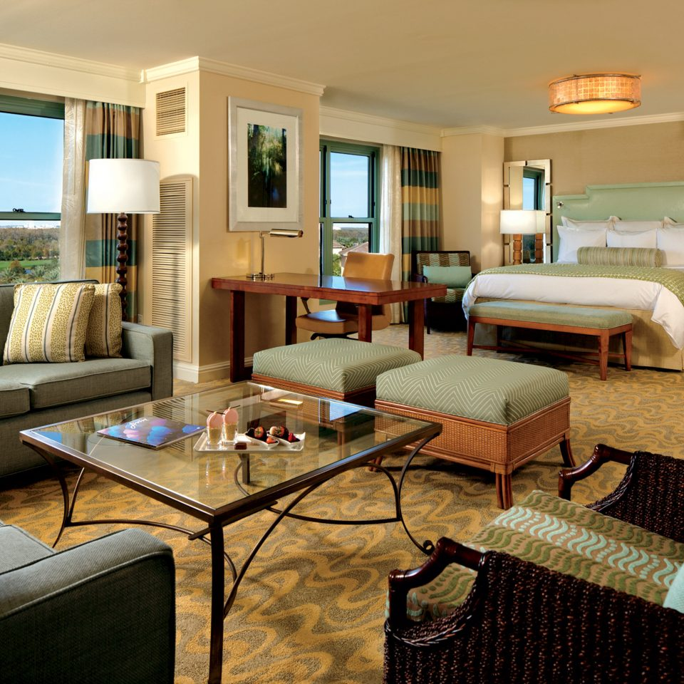 Bedroom Elegant Lounge Luxury Suite sofa property living room condominium home Villa cottage