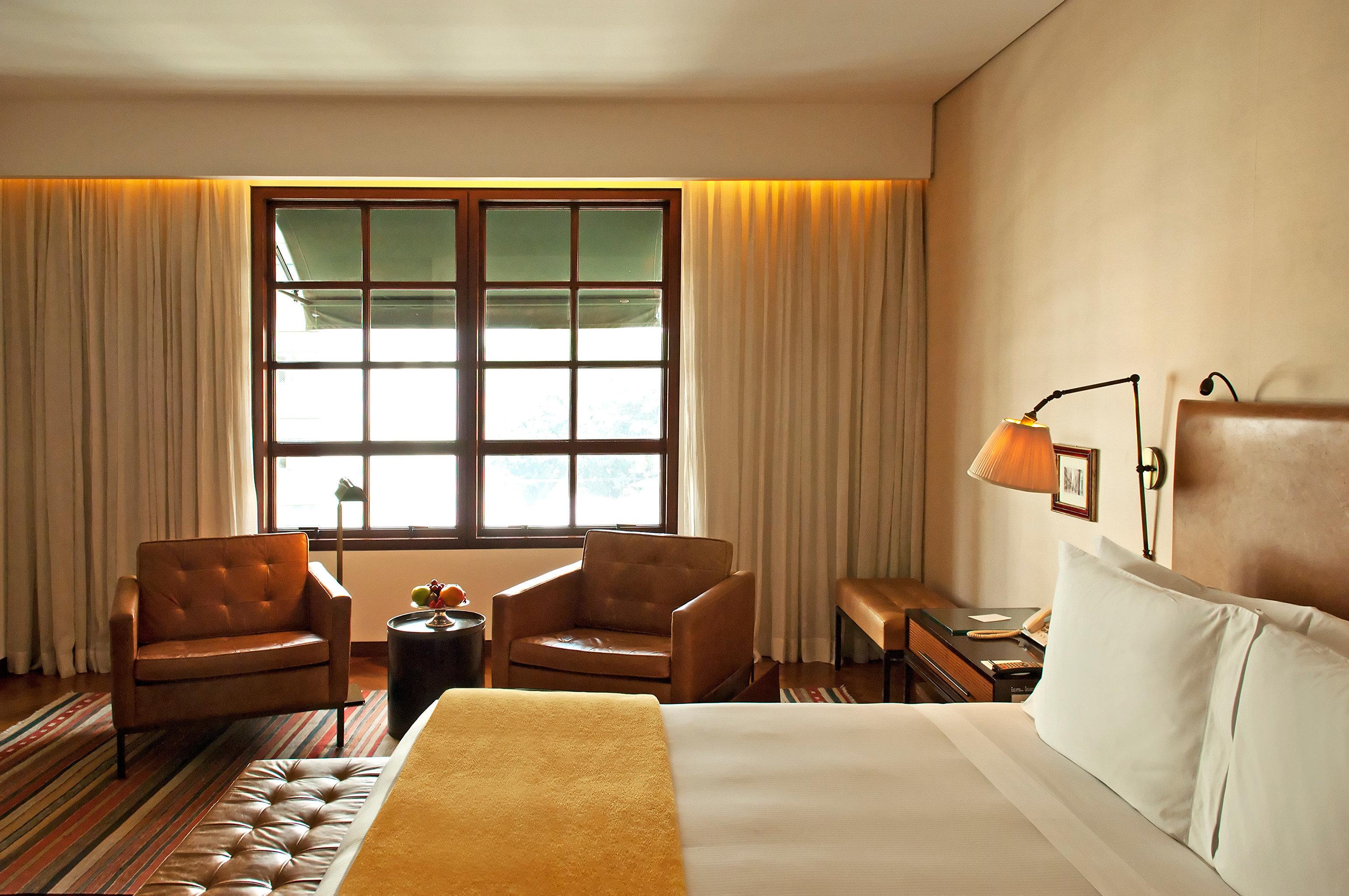 Bedroom Elegant Lounge Luxury Suite sofa property living room cottage lamp