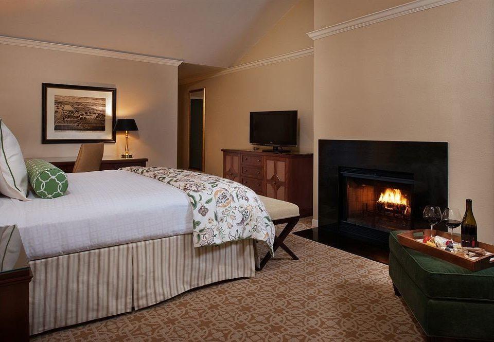 Bedroom Elegant Lounge Luxury Suite sofa property cottage hardwood home living room flat