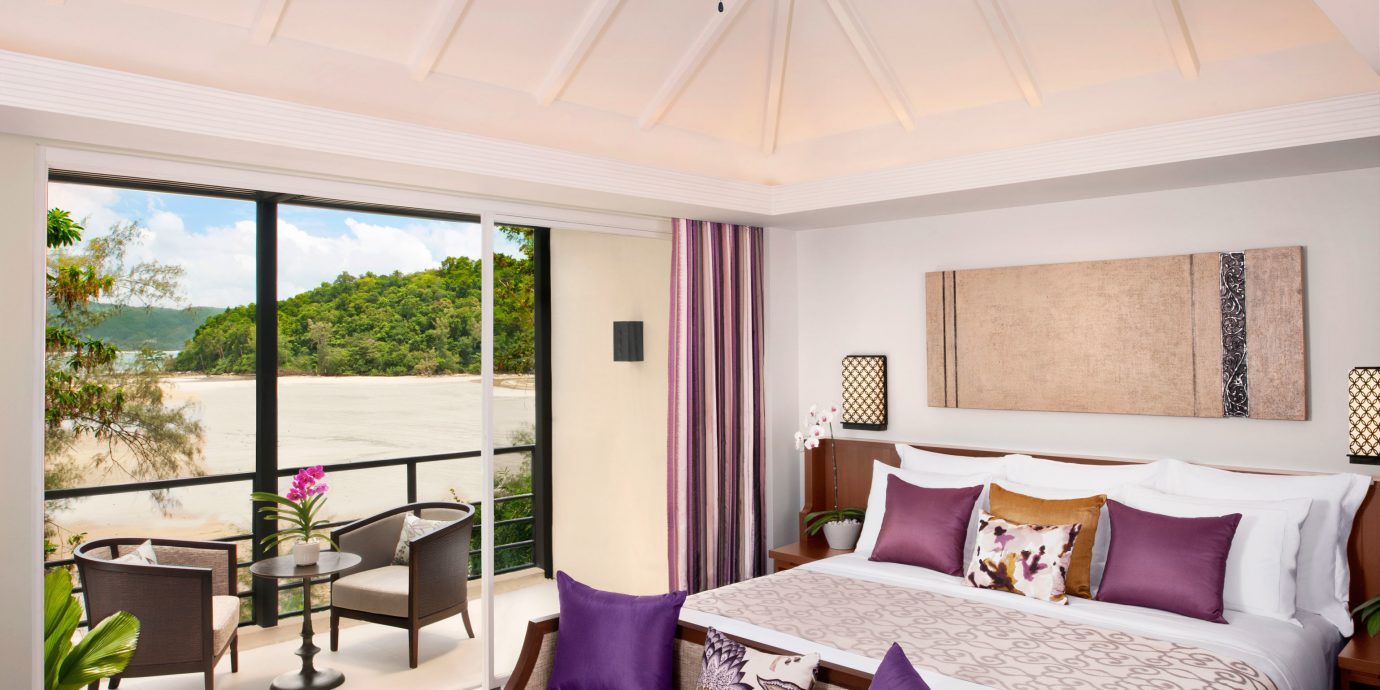 Bedroom Elegant Lounge Luxury Modern Patio Pool Suite property home cottage living room Resort Villa farmhouse