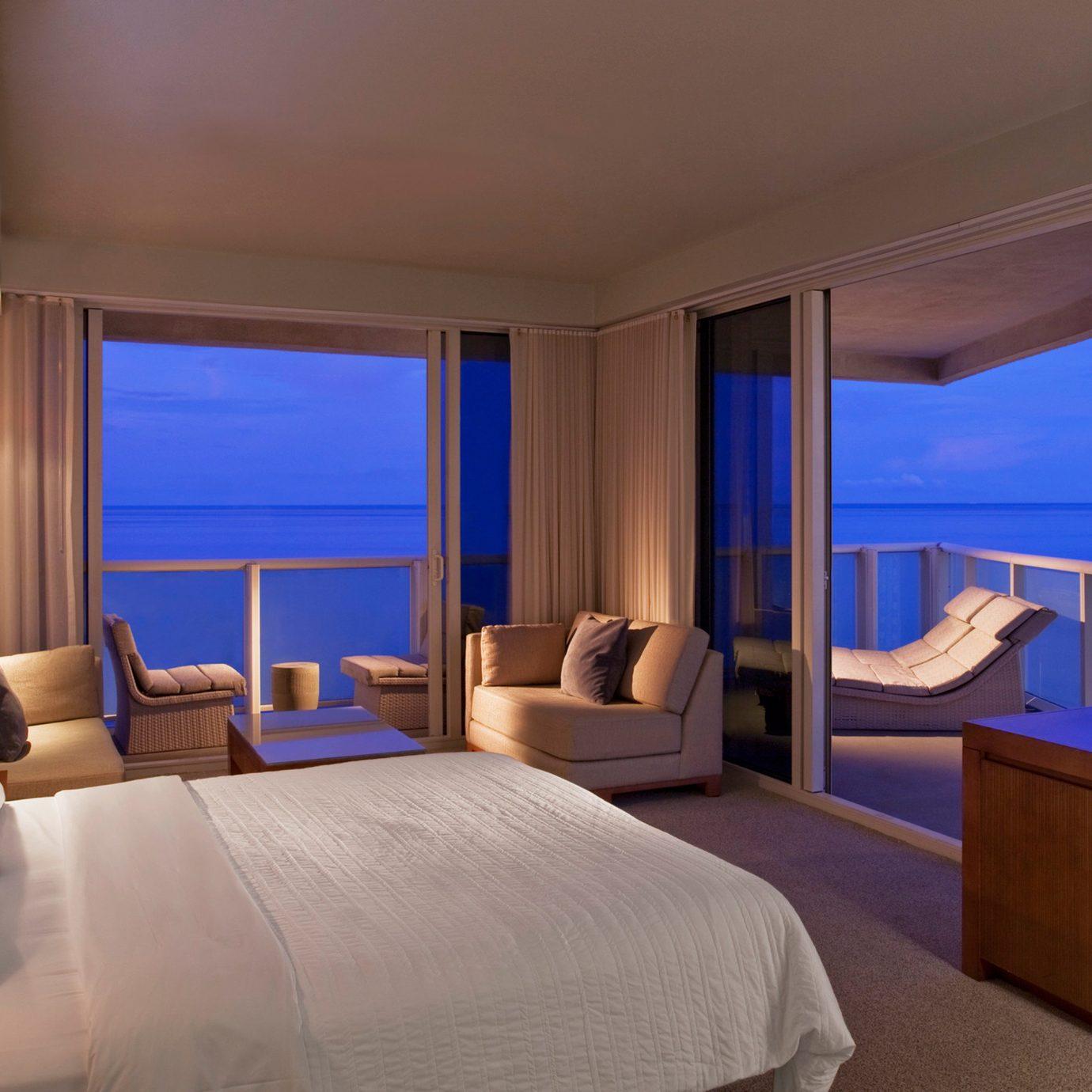 Bedroom Elegant Lounge Luxury Scenic views Suite property Resort flat