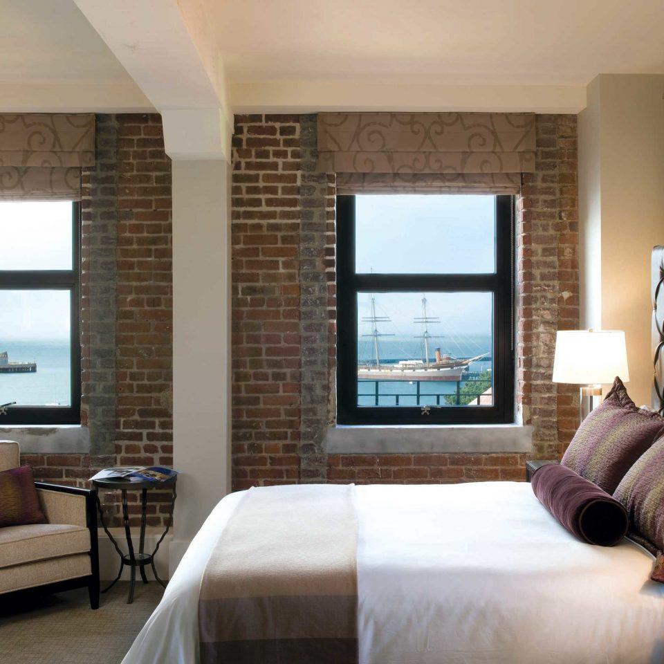 Bedroom Elegant Lounge Luxury Modern Suite sofa property living room condominium home scene cottage