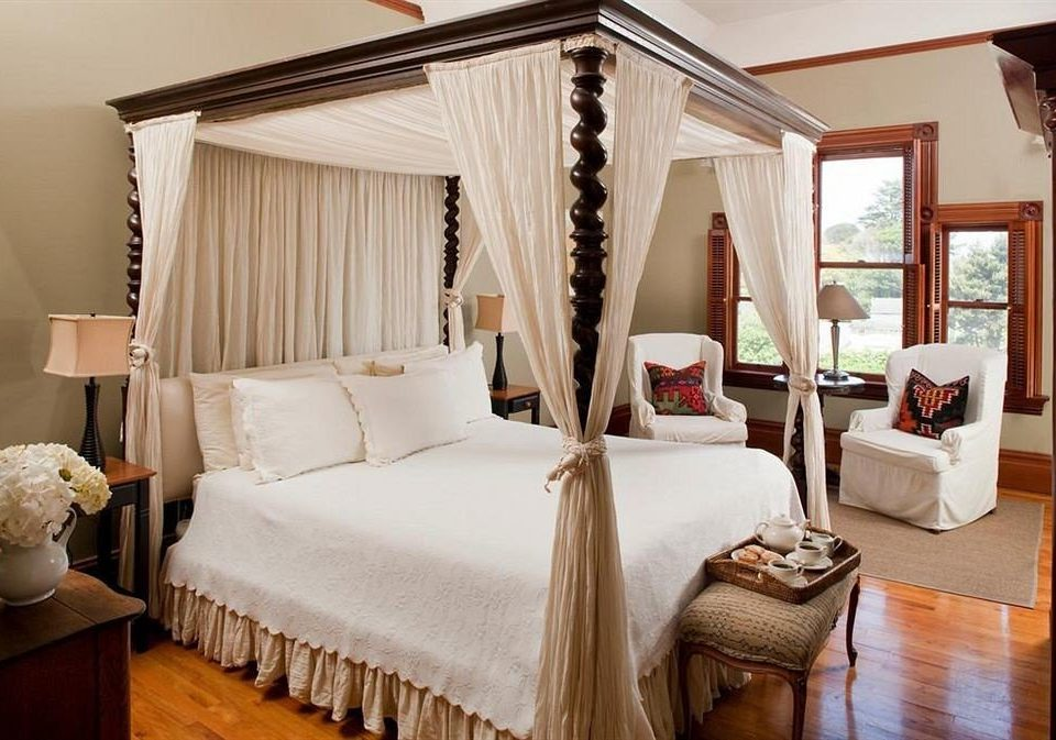 Bedroom Elegant Lounge Luxury Suite property cottage home living room Villa farmhouse lamp containing