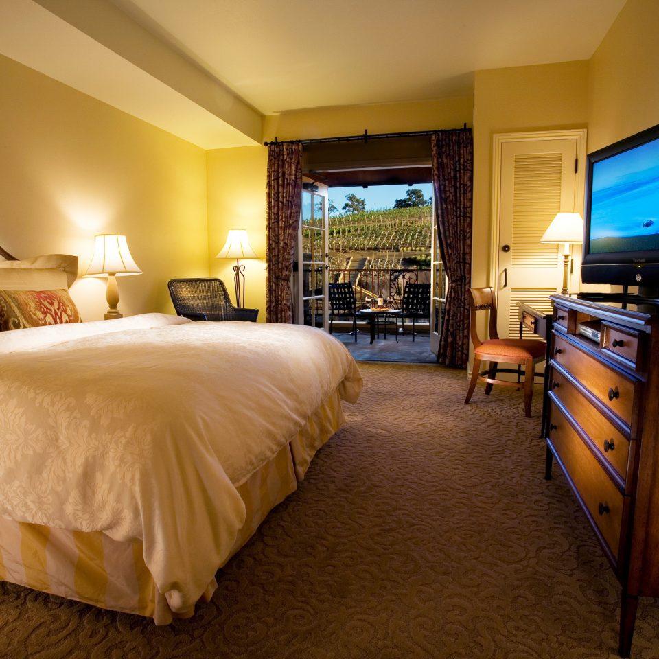 Bedroom Elegant Lounge Suite property Resort cottage