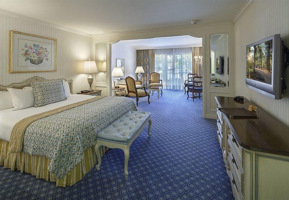 Bedroom Elegant Lounge Rustic Suite property living room home cottage green condominium Villa mansion