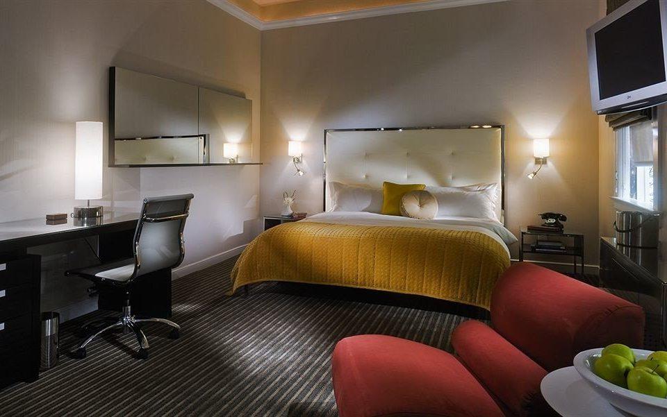 Bedroom Elegant Luxury Modern Suite property condominium living room cottage