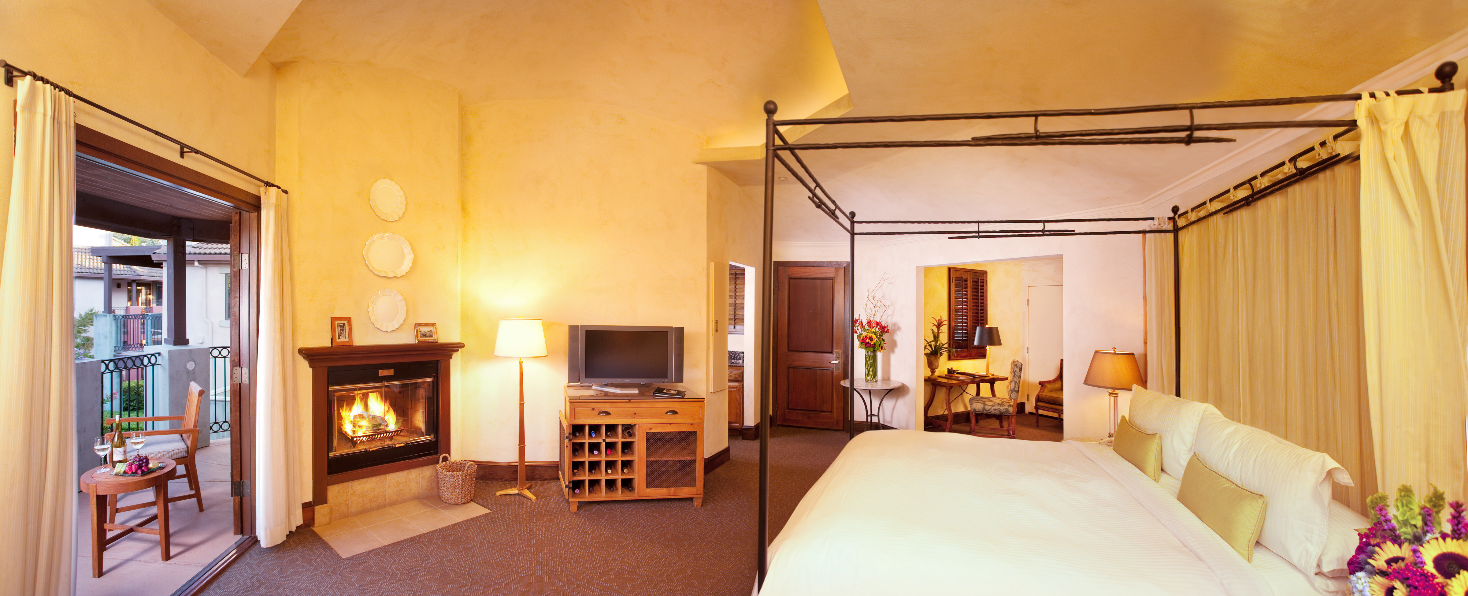 Bedroom Elegant Luxury Modern Suite property cottage home Villa mansion