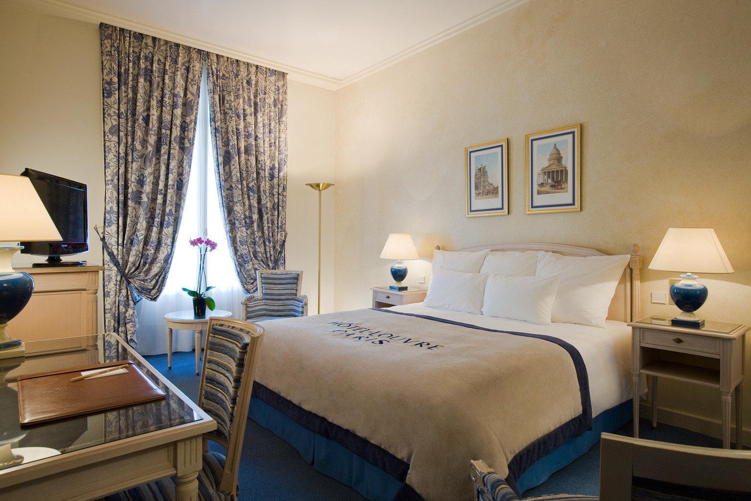 Bedroom Elegant Luxury Modern Suite property cottage home lamp