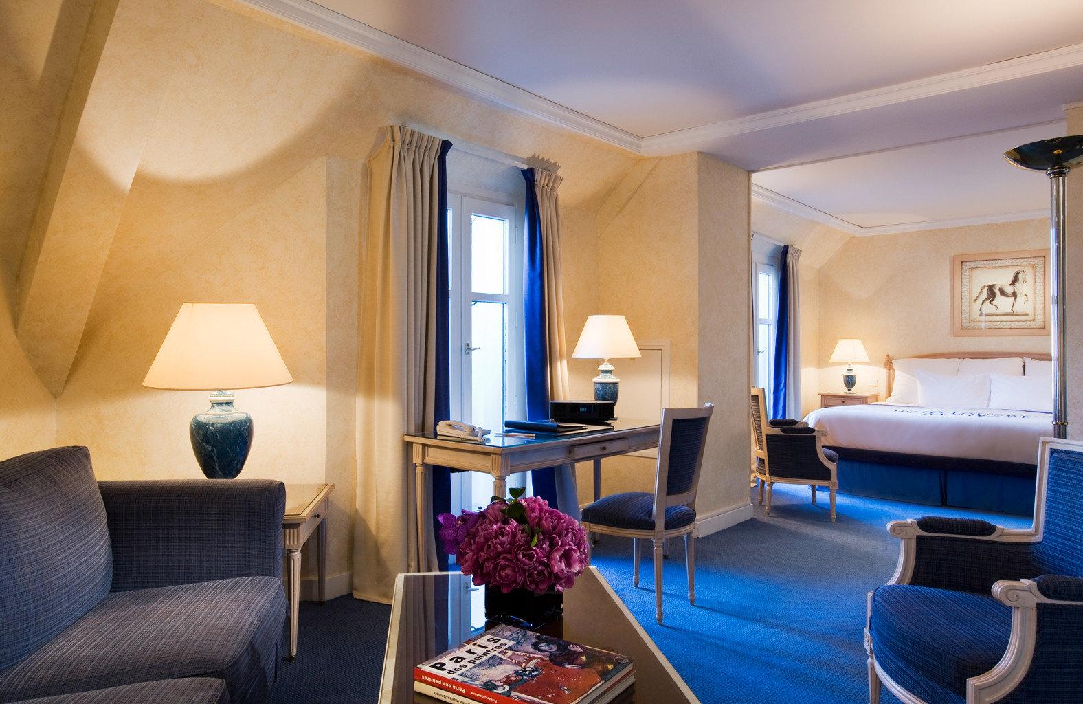 Bedroom Elegant Luxury Modern Suite property living room condominium Resort