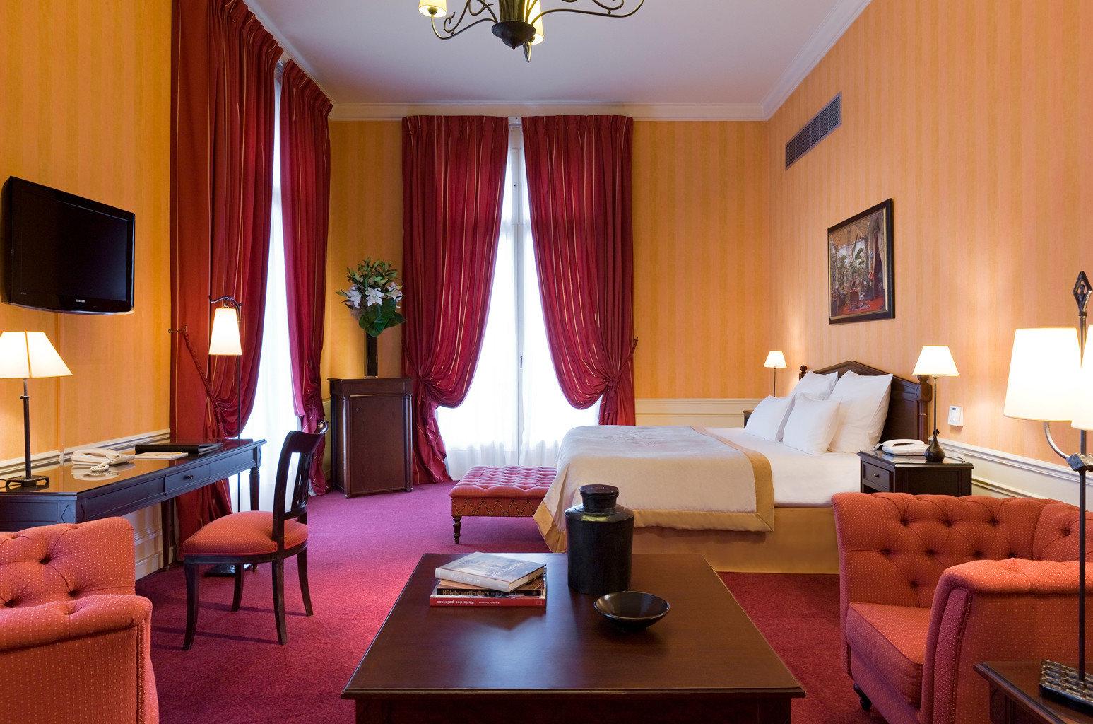 Bedroom Elegant Luxury Modern Suite red property Resort living room flat lamp leather