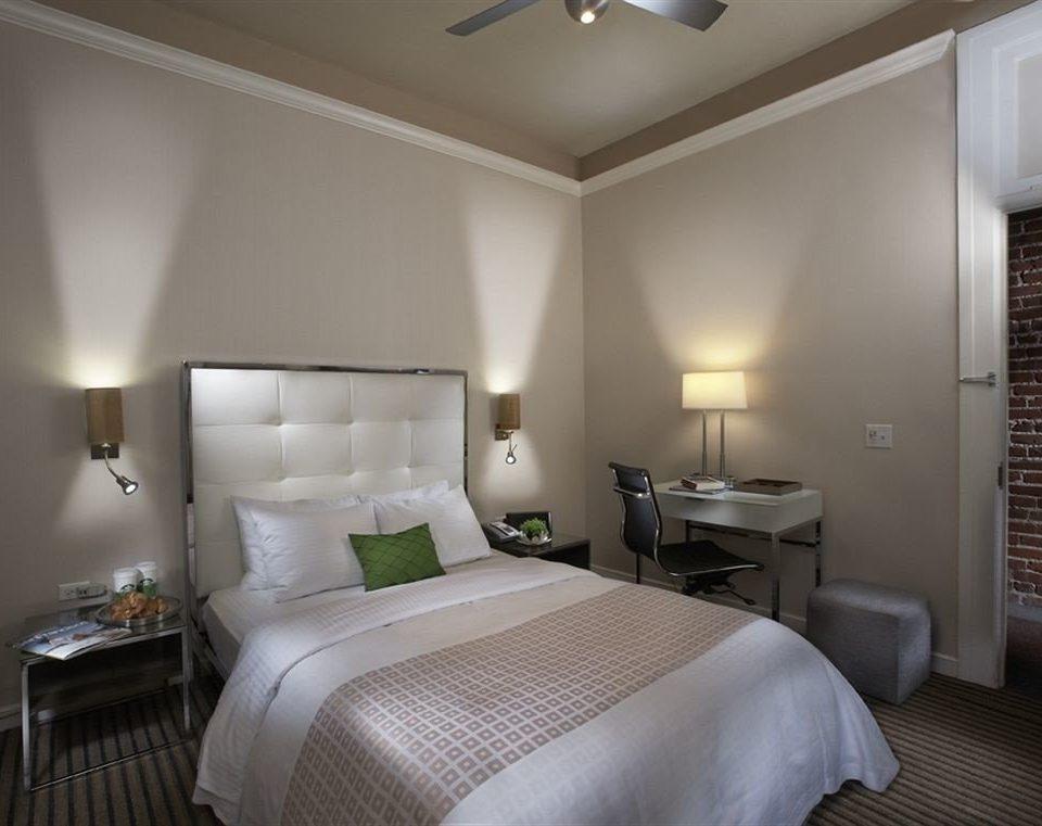 Bedroom Elegant Luxury Modern Suite property scene cottage condominium lamp