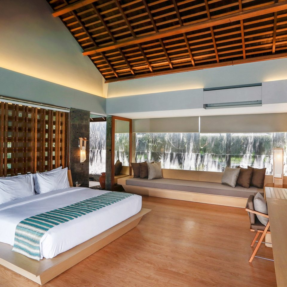 Bedroom Elegant Luxury Modern Romantic Scenic views Suite property condominium living room home daylighting Villa Resort loft