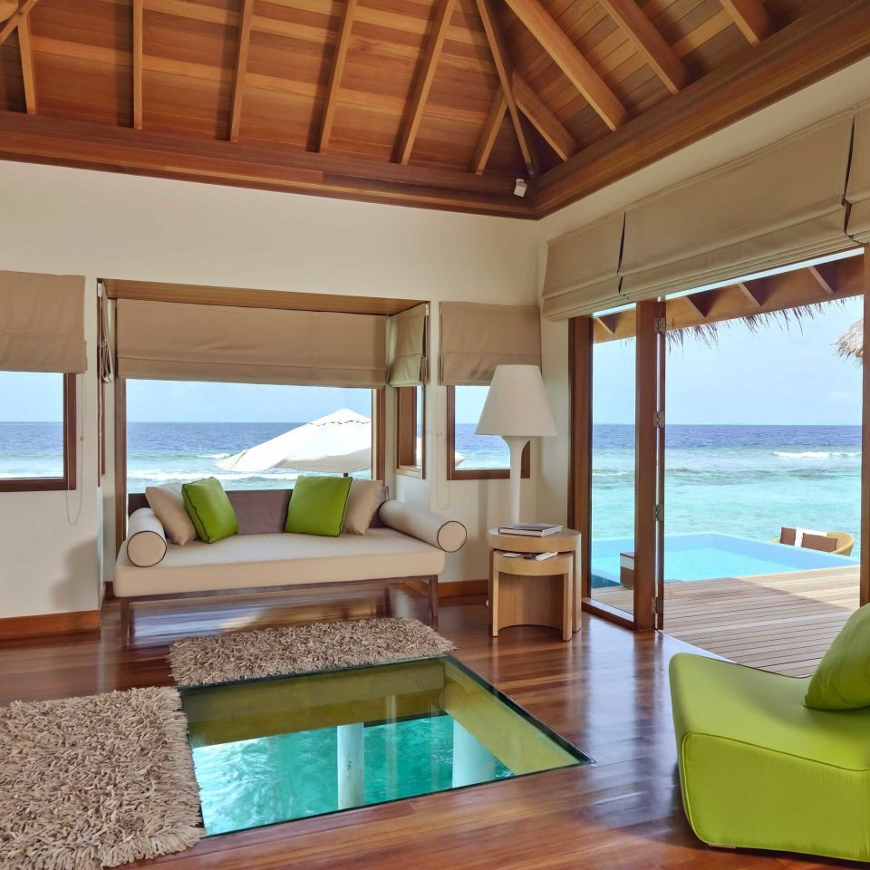 Bedroom Elegant Luxury Overwater Bungalow Scenic views Suite Villa property home cottage living room Resort green condominium