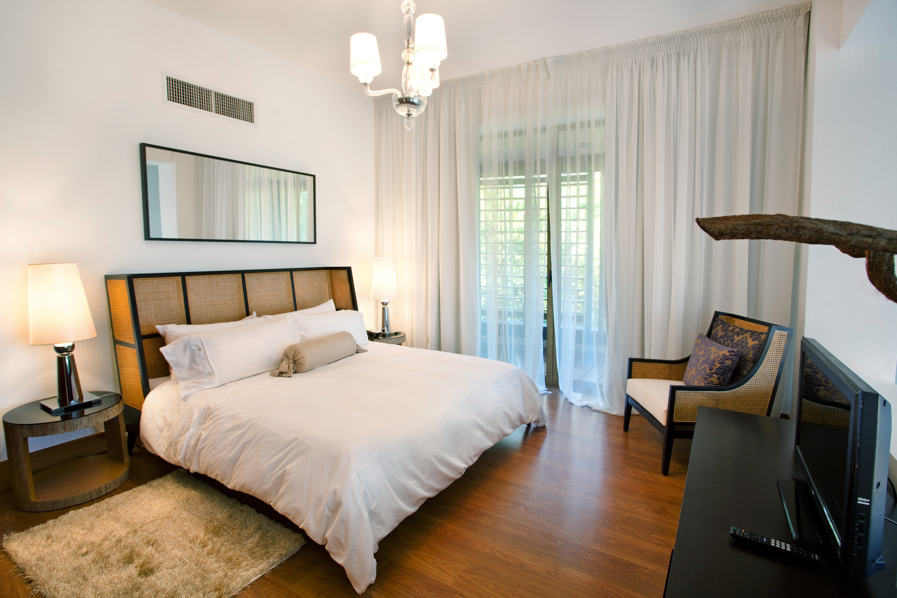 Bedroom Elegant Luxury Patio Suite property cottage Villa