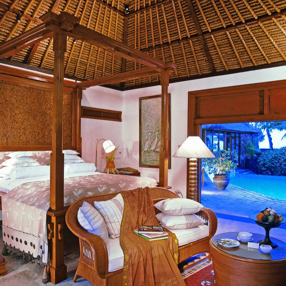 Bedroom Elegant Luxury Suite property Resort log cabin cottage home swimming pool recreation room Villa mansion