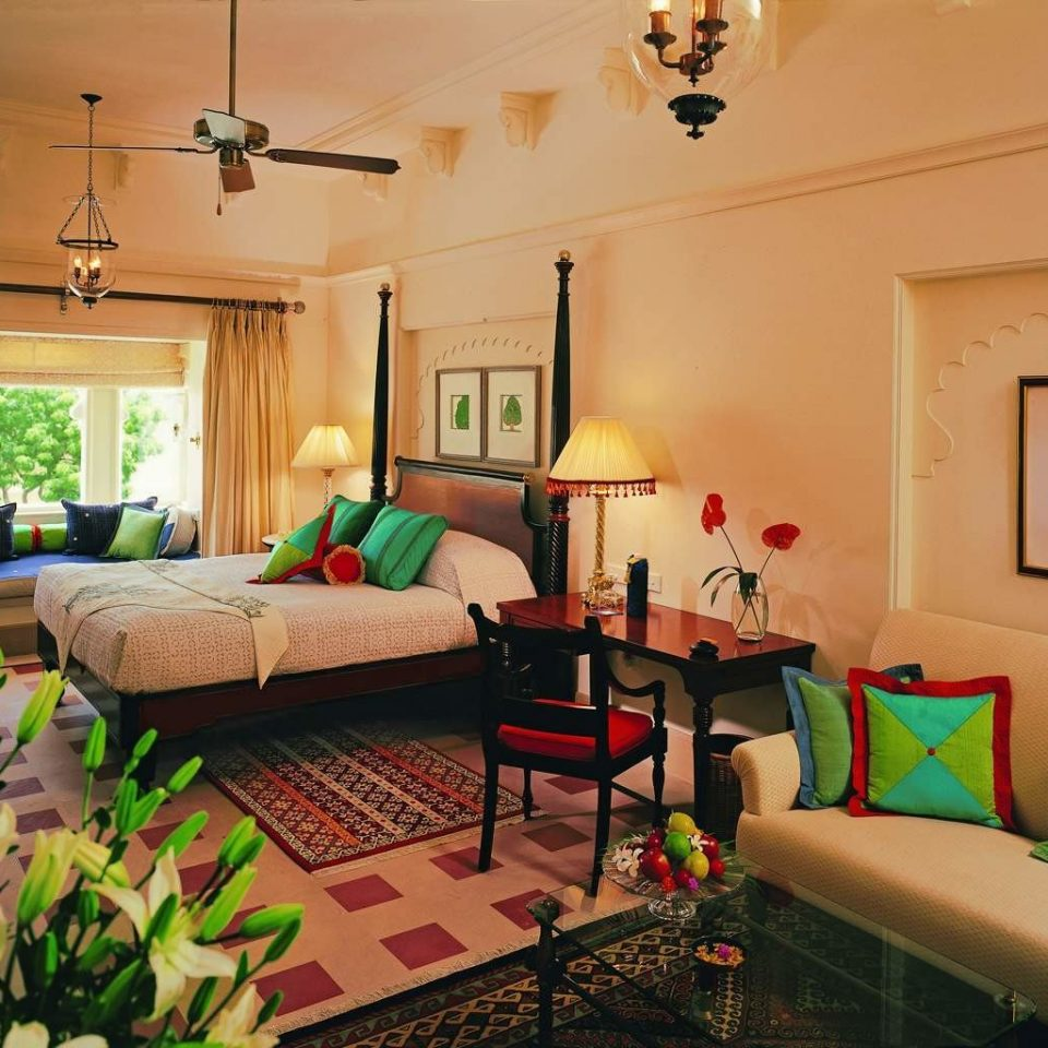 Bedroom Elegant Luxury Resort property living room home cottage green Villa Suite
