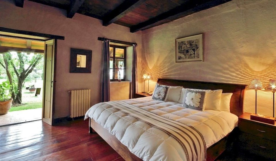 Bedroom Elegant Luxury Suite property cottage Villa Resort mansion farmhouse