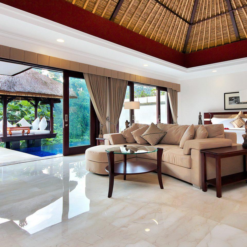 Bedroom Elegant Luxury Scenic views Suite property living room building home house Villa Resort condominium cottage mansion farmhouse