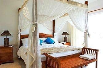 Bedroom Elegant Luxury Suite property cottage Villa Resort