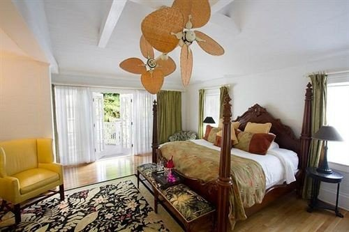 Bedroom Elegant Luxury Suite property cottage living room Villa home Resort