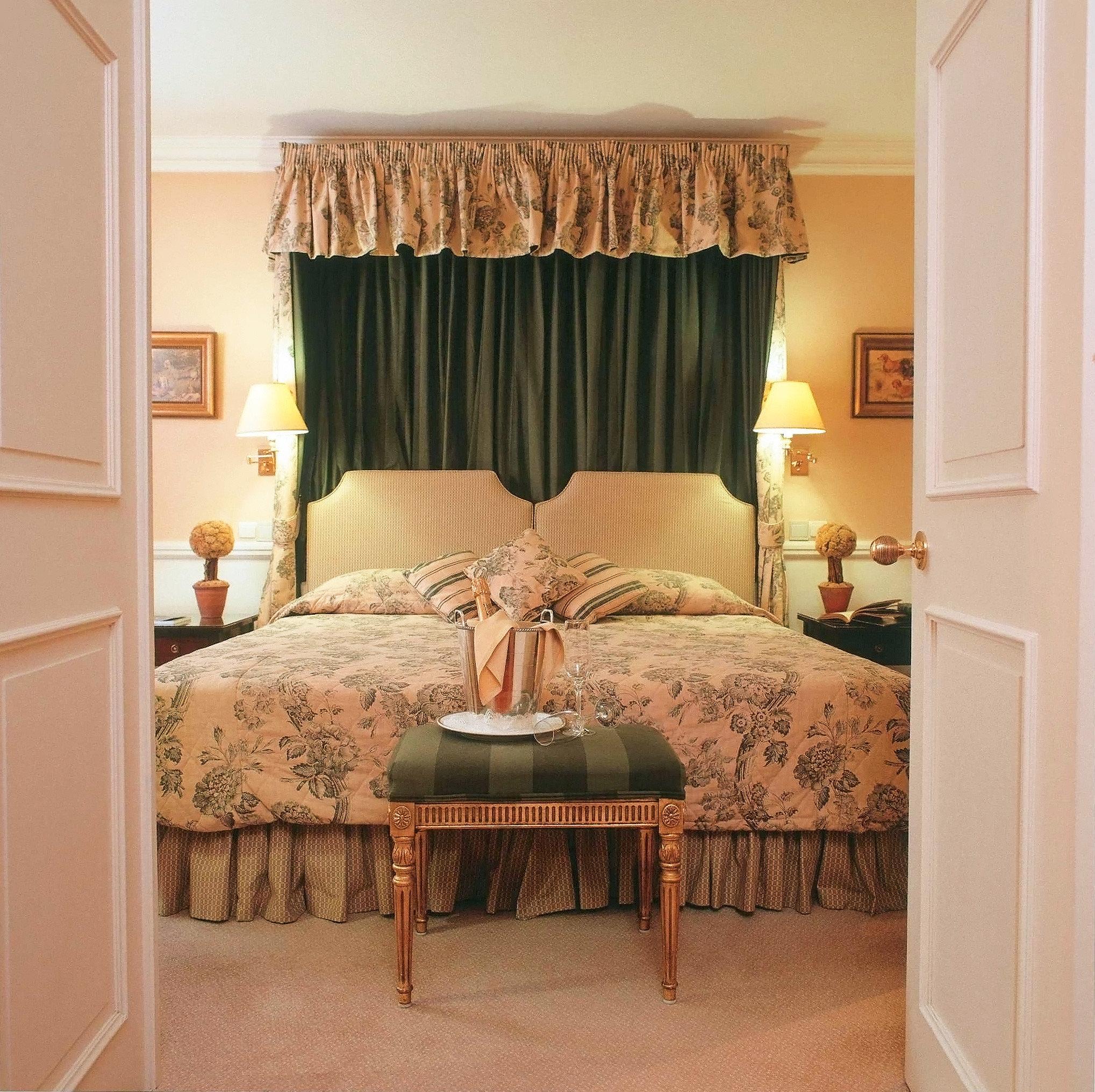 Bedroom Elegant Luxury Romantic Suite property curtain home living room textile cottage window treatment decor