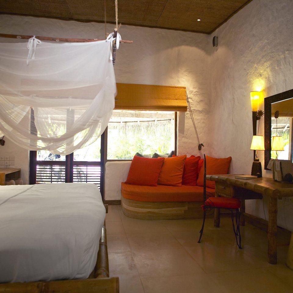 Bedroom Elegant Luxury Romantic Suite property building cottage Villa