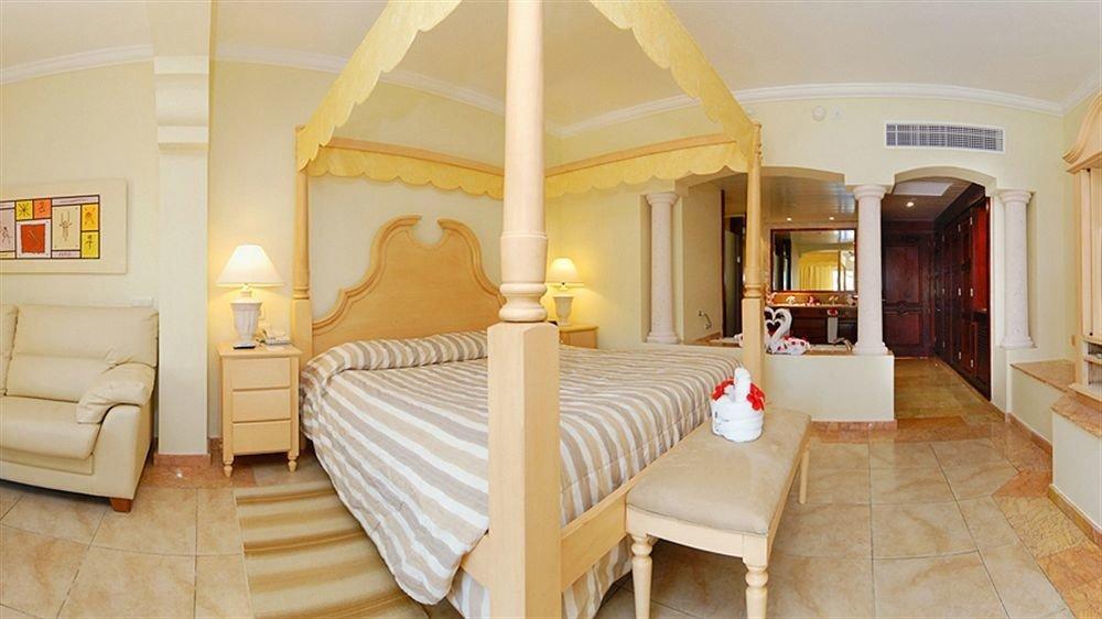 Bedroom Elegant Luxury Romantic Suite property cottage Villa home living room mansion farmhouse