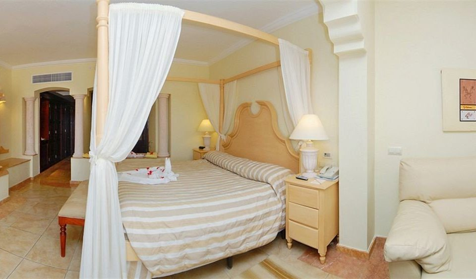 Bedroom Elegant Luxury Romantic Suite property cottage Villa