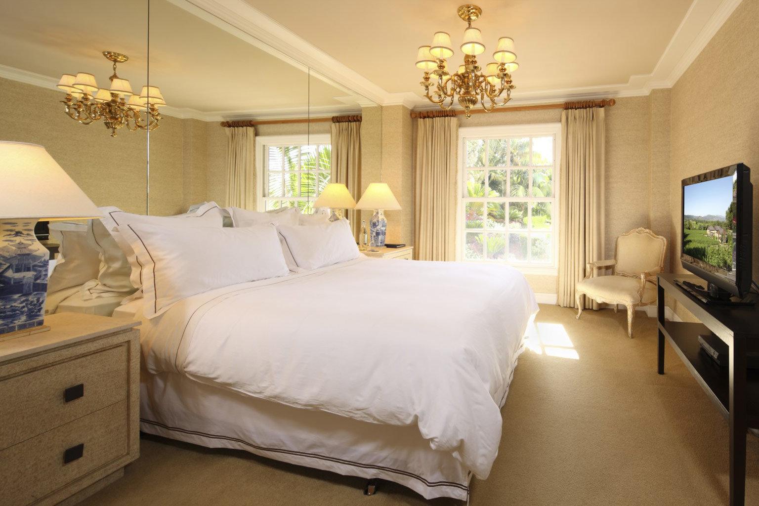 Bedroom Elegant Luxury Scenic views property Suite scene cottage home bed sheet living room